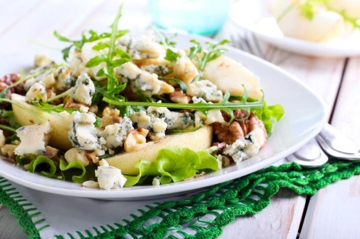 salat med pære og skimmelost