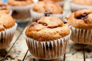 Kokosmuffins med chokolade og nødder