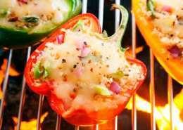 Fyldte peberfrugter med couscous, squash og ost