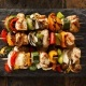 Grillede spyd med grøntsager og kylling