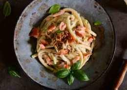 Hurtig laks med frisk pasta