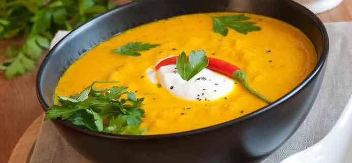 Gulerodssuppe med ingefær og chili