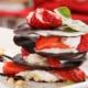 Jordbær dessert med chokolade og vaniljecreme