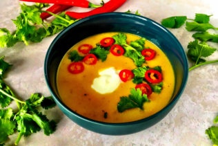 Bagt butternut squash suppe